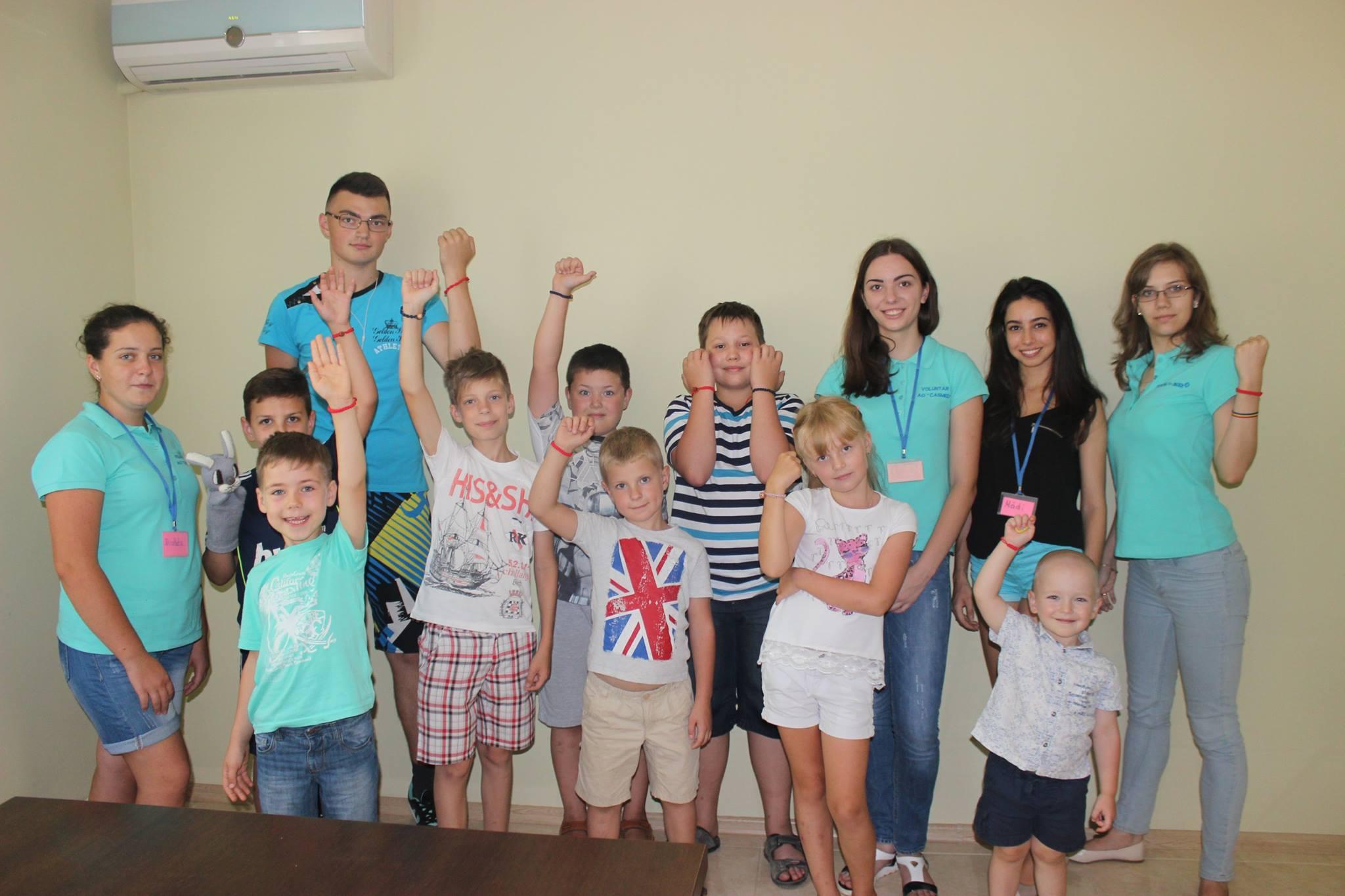 CASMED_ Balti_volunteering_kids (2)